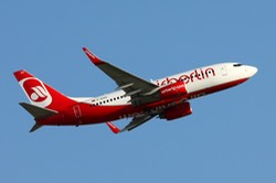 Air Berlin Boeing 737-700 D-AHXD